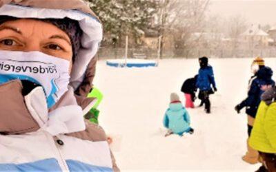 Schneevergnügen im Pausenhof